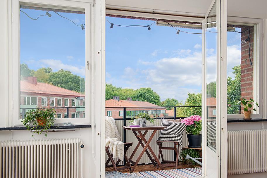 Замовити пластикові двері на лоджію, балкон або терасу