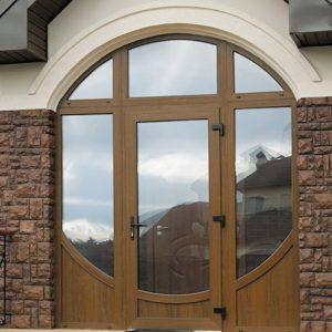 Встановлюємо якісні вхідні пластикові двері